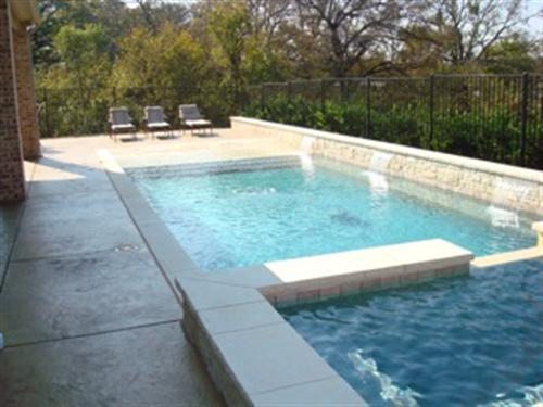 formal_pool_builder_garland_tx