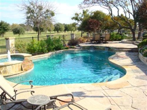 natural_stone_pool_garland_tx