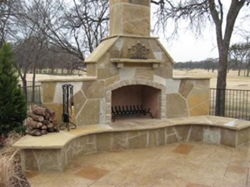 custom_outdoor_fireplaces